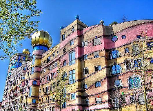 Top 10 strangest homes around the world